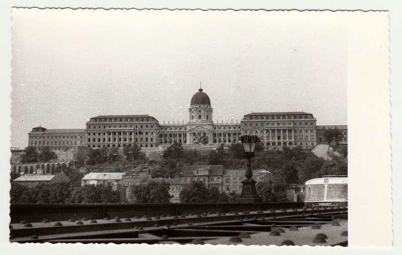 La foto d'annata mostra Royal Palace di Budapest Buda Castle in Ungheria fotografie stock