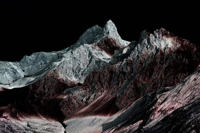 La foto infrarossa e solarized di bello, dell'altro mondo, mondo di fantasia gradisce le montagne dell'alpe in alpi svizzere fotografia stock