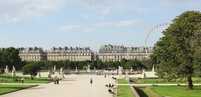 La Francia, Parigi - 17 giugno 2011: Jardin de Tuileries fotografie stock