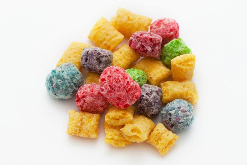 La frutta colorata collega il cereale in circuito fotografie stock