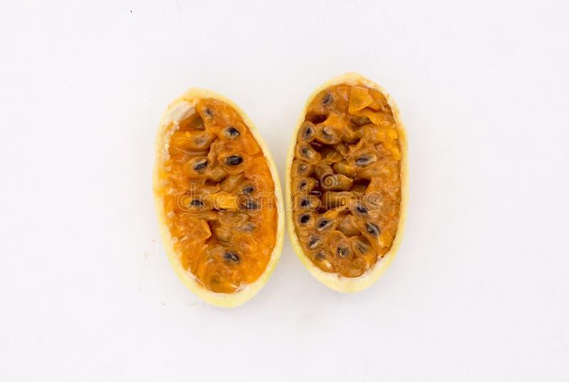 La frutta dell'America latina ha chiamato il passionfruit della banana (lat Tripartita della passiflora) (in tumbo dello Spagnolo fotografia stock libera da diritti