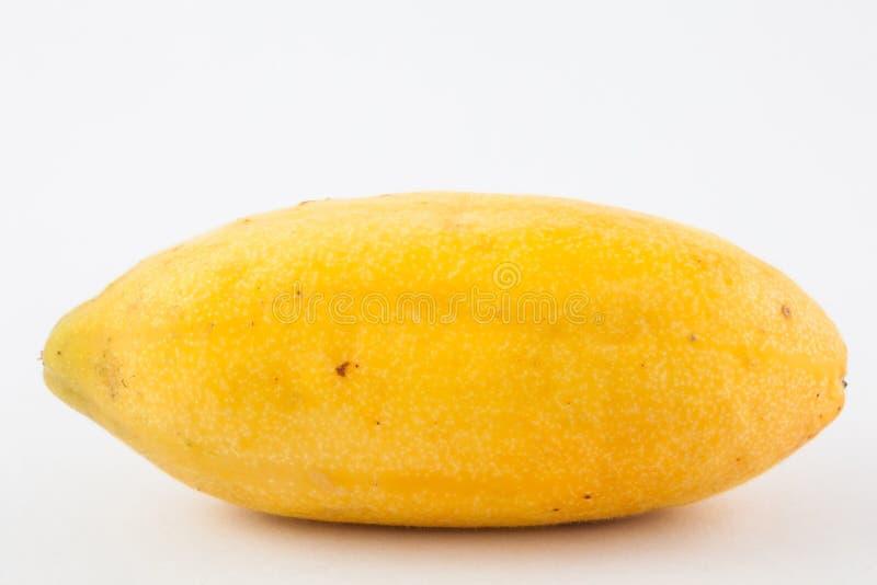 La frutta tropicale esotica ha chiamato il tripartita della passiflora del curuba immagini stock libere da diritti