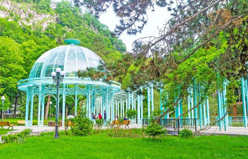La fuente de agua de Borjomi fotos de archivo