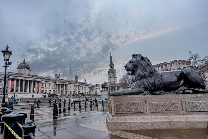 La fuente en Trafalgar Square en Londres, Reino Unido fotos de archivo libres de regalías