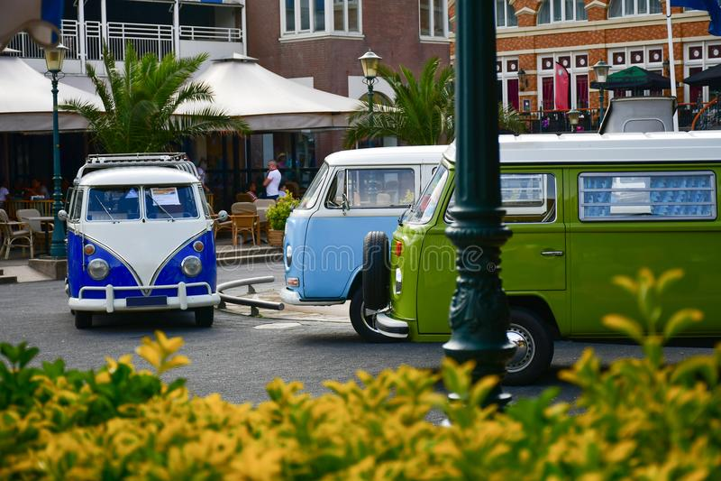 La furgoneta alemana vieja del coche foto de archivo