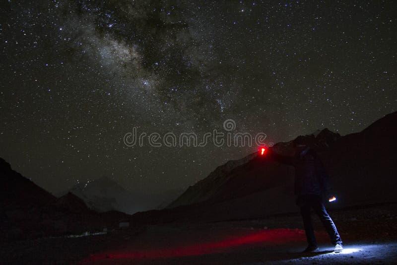 La galaxie la plus grande au monde photos stock