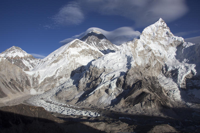 Download La gama de Himalaya foto de archivo. Imagen de highest - 64205014