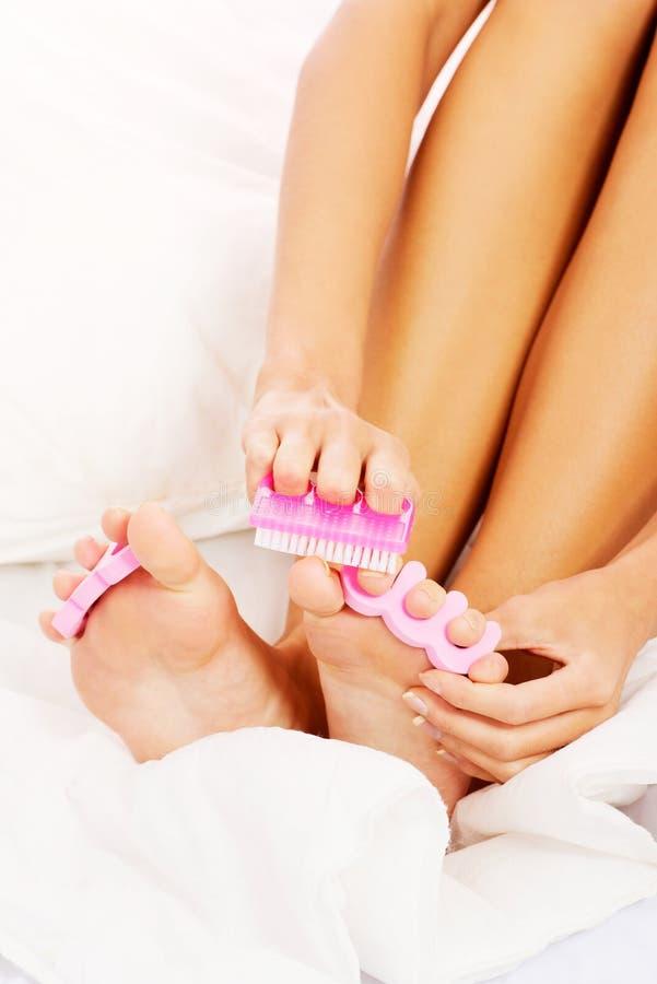 La gamba della donna. Pedicure. Primo piano. fotografie stock libere da diritti
