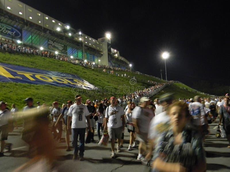 La gara motociclistica su pista NASCAR di Bristol corre la riga andare fotografia stock