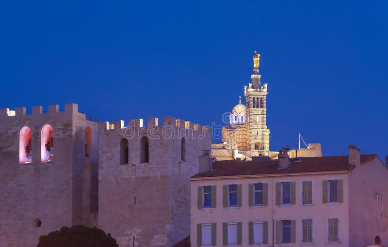 La Garde de Notre-Dame de e abadia do vencedor de Saint em Marselha - França imagens de stock