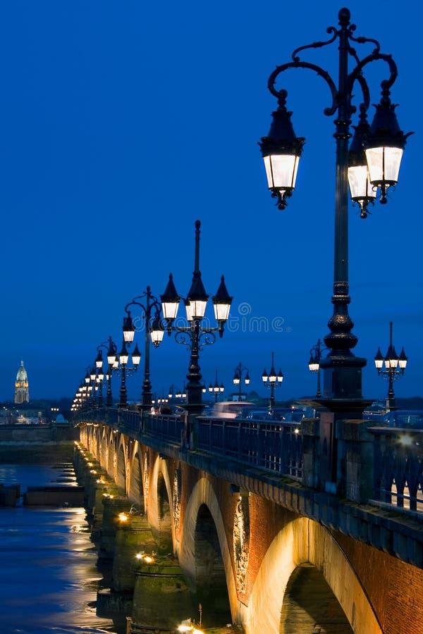La Garona di Pont Sur di prospettiva immagini stock