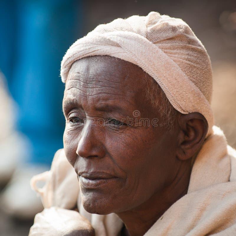 La gente in AKSUM, ETIOPIA immagine stock libera da diritti