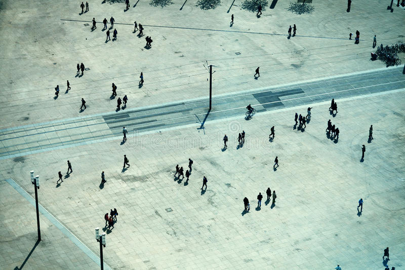 La gente in Alexanderplatz fotografie stock