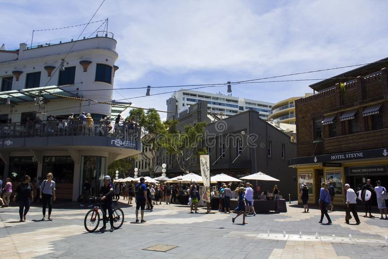 La gente alla via di Sydney Manly immagine stock libera da diritti