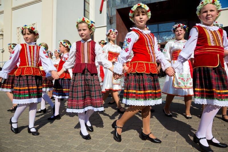 La gente bielorrusa celebra el día de la ciudad de Minsk fotos de archivo