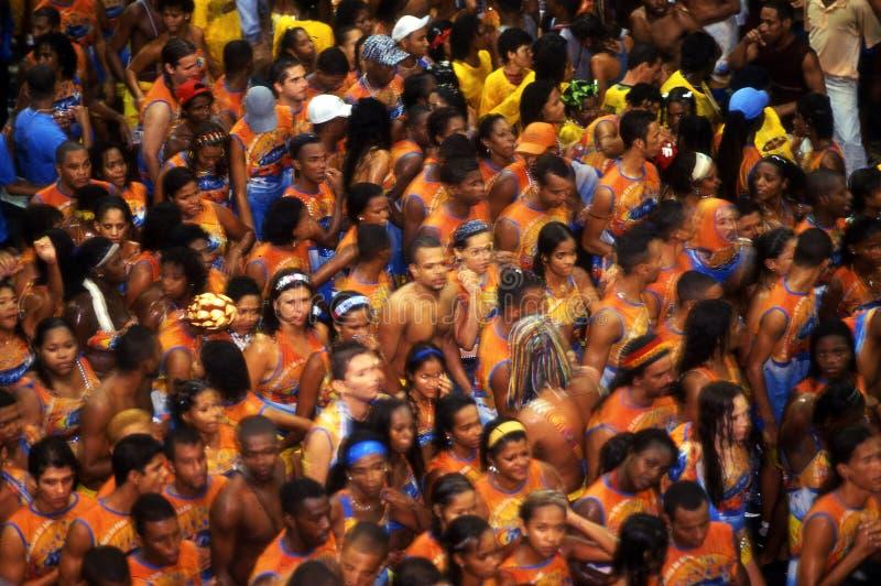 : La gente brasiliana celebra il carnevale del Salvador de Bahia in Brazi fotografie stock