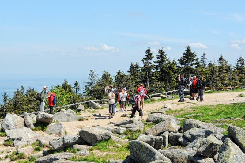 La gente che visita la montagna di Brocken al parco nazionale di Harz (Germania) fotografie stock