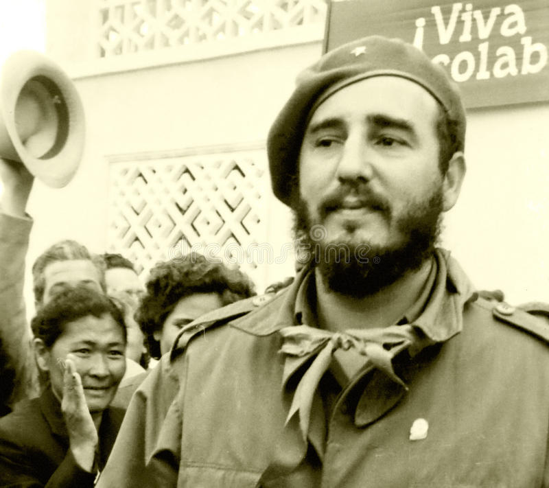 La gente de Yangiyer acogió con satisfacción a Fidel May 1963 imagenes de archivo