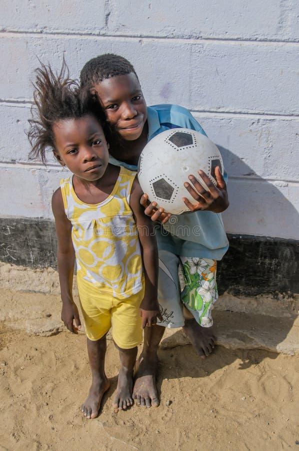 La gente del mondo - bambini africani immagini stock libere da diritti