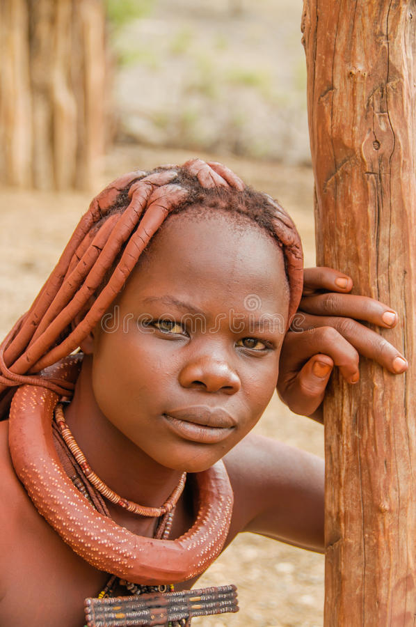 La gente del mondo - ragazza di Himba fotografie stock libere da diritti