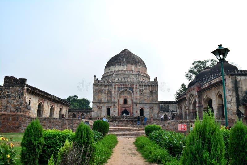 La gente forma le tombe ma le leggende formano le tombe Tomba di Sikandar Lodi fotografia stock libera da diritti