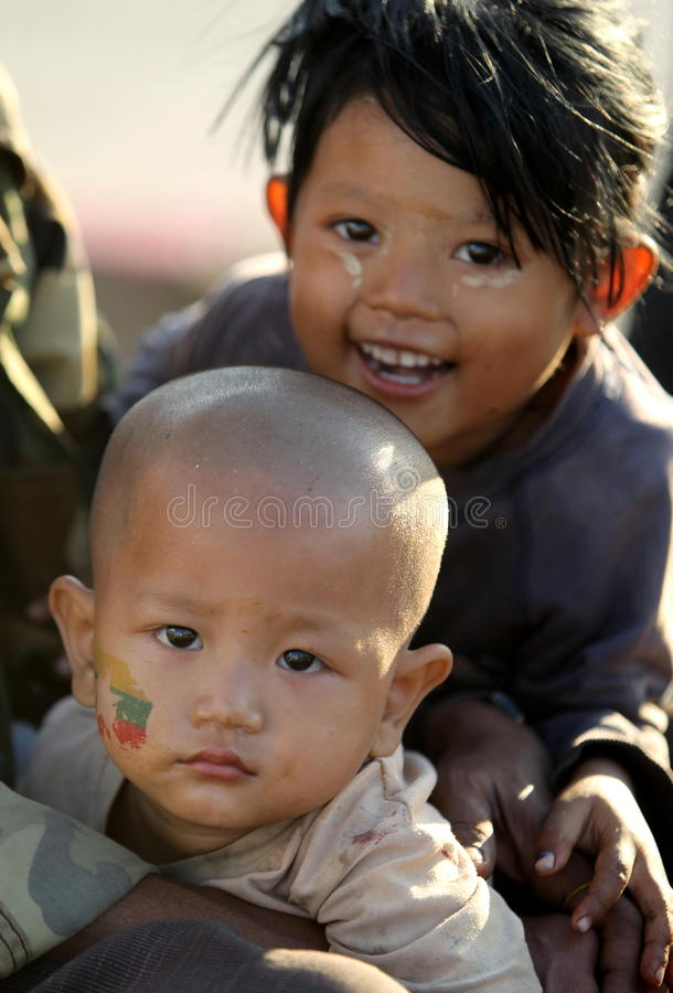 La gente in Naypyitaw, Myanmar fotografia stock libera da diritti