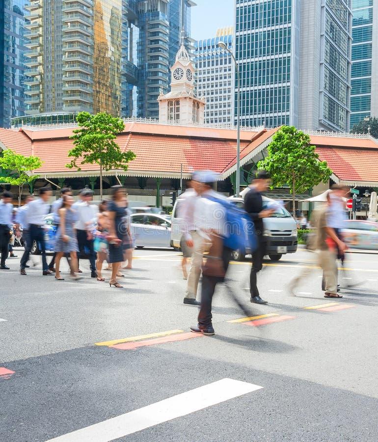 La gente nel centro di affari di Singapore immagine stock