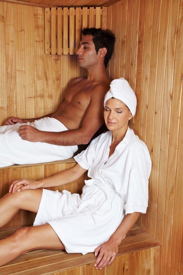 La gente nella sauna fotografia stock