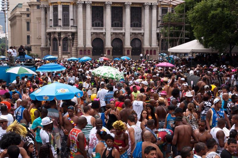 La gente nelle vie di Rio de Janeiro durante il carnevale fotografia stock