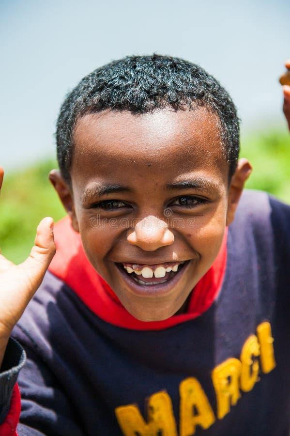 La gente in OMO, ETIOPIA fotografie stock