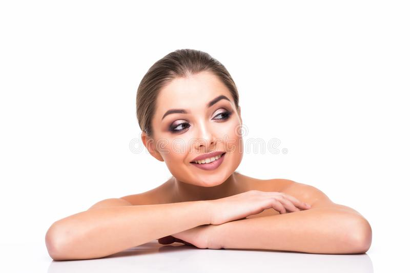 La gente, ritratto del fronte della donna di bellezza Bella ragazza del modello della stazione termale con pelle pulita fresca pe immagini stock