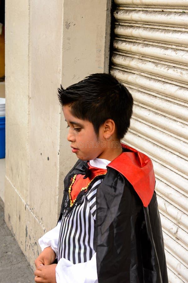 La gente sul Dia de los Muertos nel Messico immagini stock libere da diritti