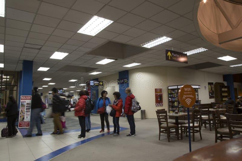La gente in terminale di Paz El Alto International Airport della La immagini stock libere da diritti