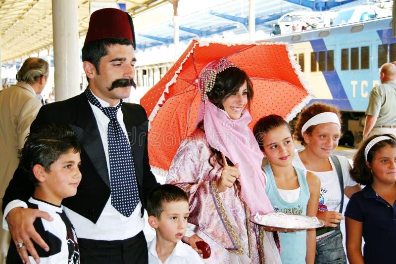 La gente turca accoglie i viaggiatori fotografia stock libera da diritti