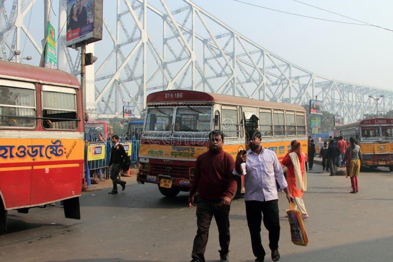 La gente viaja en autobuses públicos fotografía de archivo libre de regalías