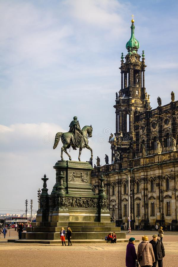 La Germania, Dresda, 03 02 2014, costruzione di opera di Semperoper alla notte a Dresda immagini stock libere da diritti