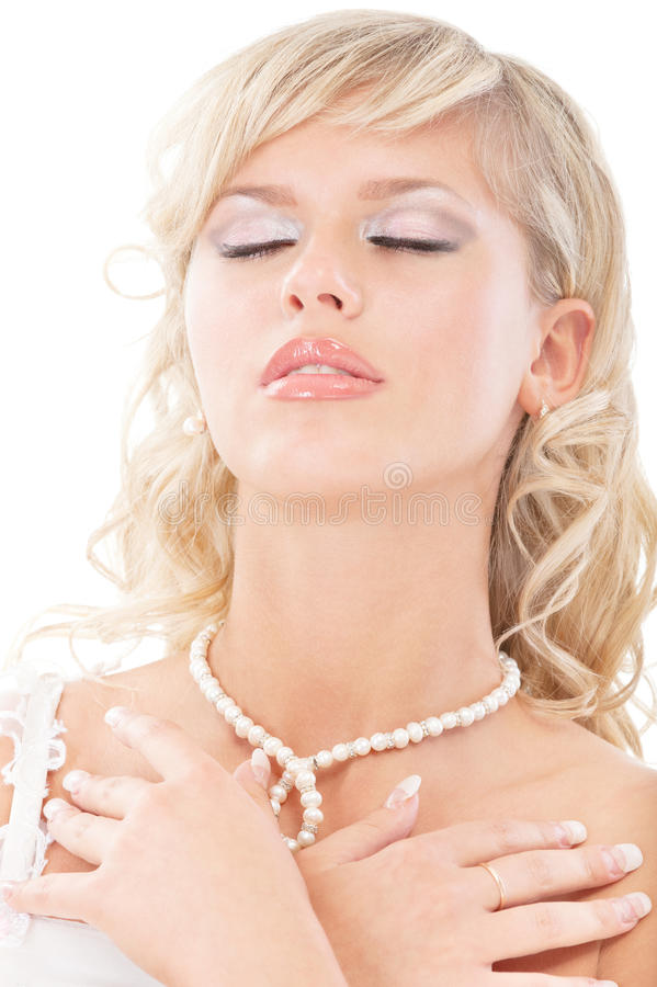 La giovane sposa ha chiuso gli occhi immagine stock