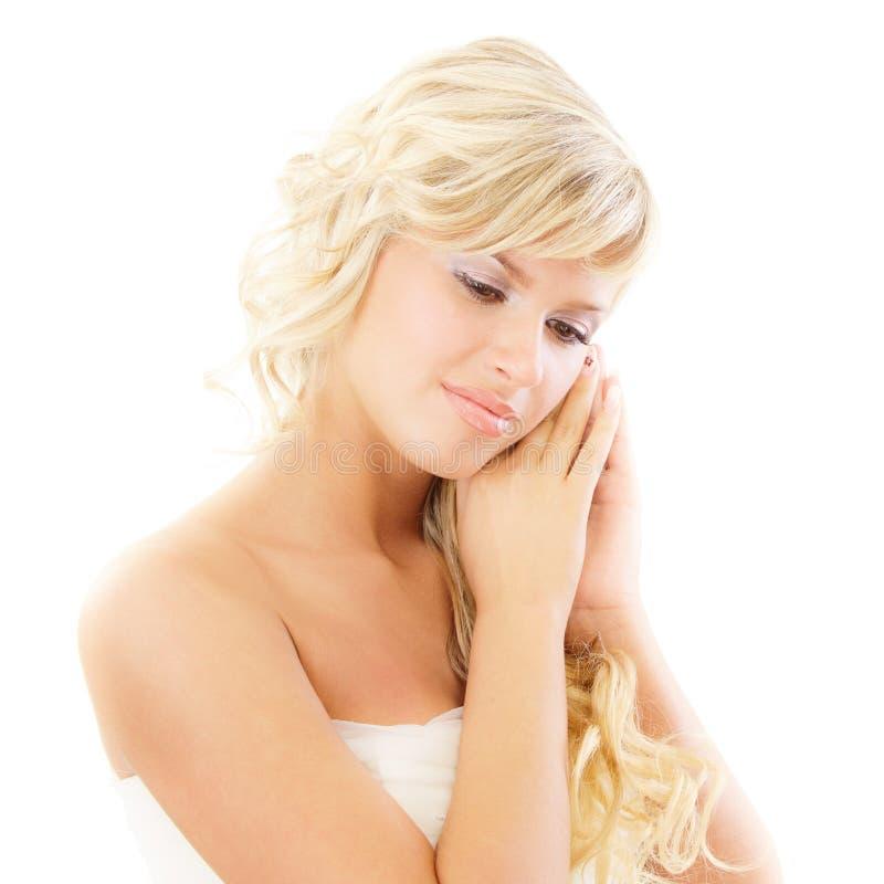 La giovane sposa ha chiuso gli occhi fotografia stock