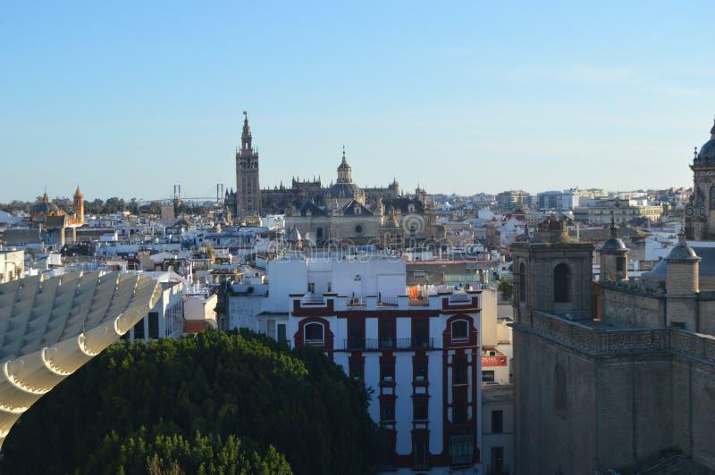 La Giralda di Sevilla y immagine stock libera da diritti