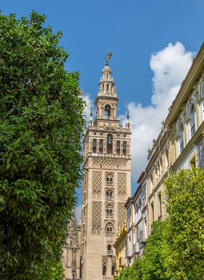 La Giralda i Seville, Spanien arkivfoto