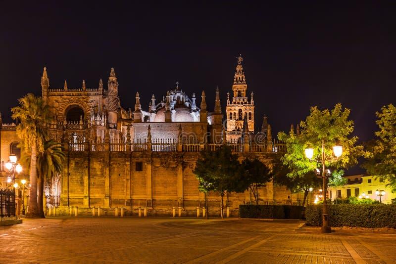 La Giralda van de kathedraal in Sevilla Spanje royalty-vrije stock foto's