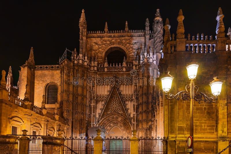 La Giralda van de kathedraal in Sevilla Spanje royalty-vrije stock afbeeldingen