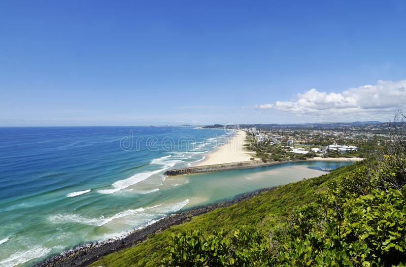 La Gold Coast sogna la spuma del mare di miglia di festa, spiagge sabbiose bianche fotografia stock libera da diritti
