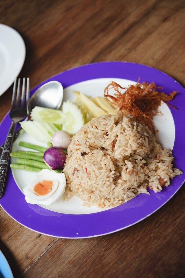 La goma picante Fried Rice del camarón sirvió con cerdo azucarado y Condi fotos de archivo libres de regalías