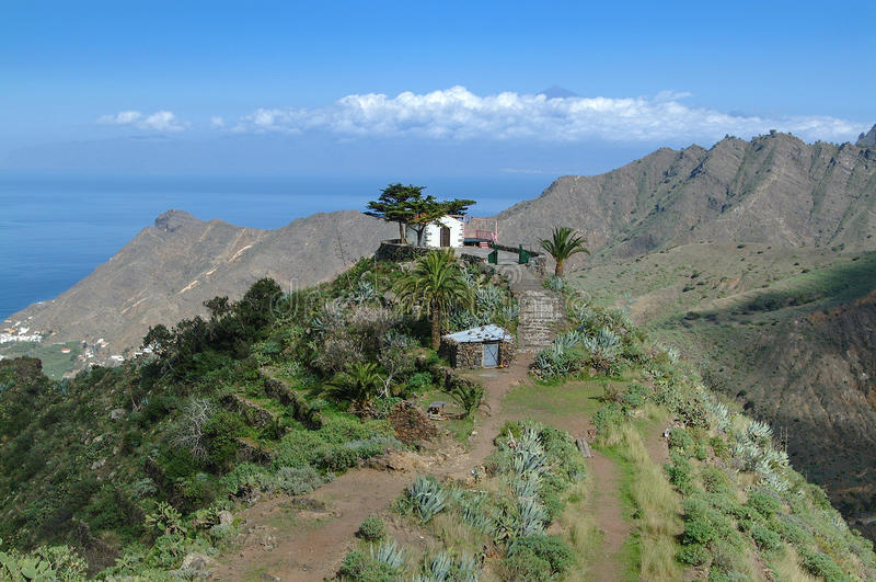 La Gomera - Ermita De San Juan au-dessus de Hermigua images libres de droits