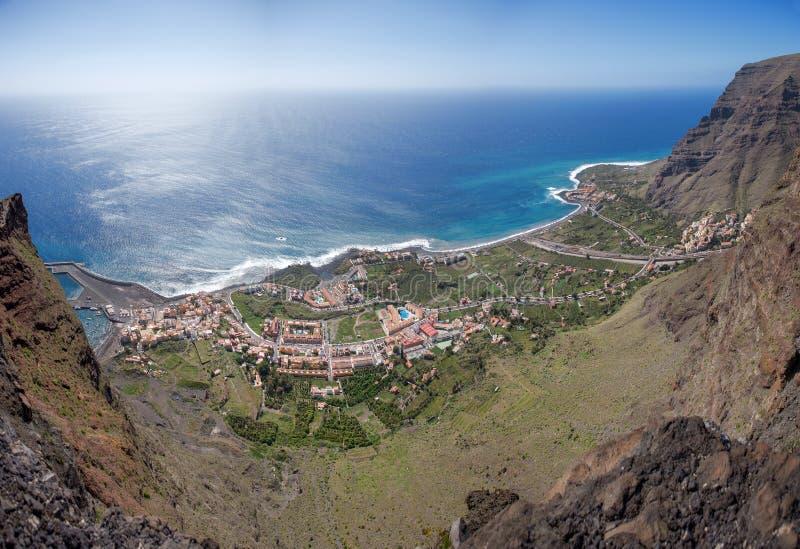 La Gomera - flyg- sikt av Valle Gran Rey arkivbild