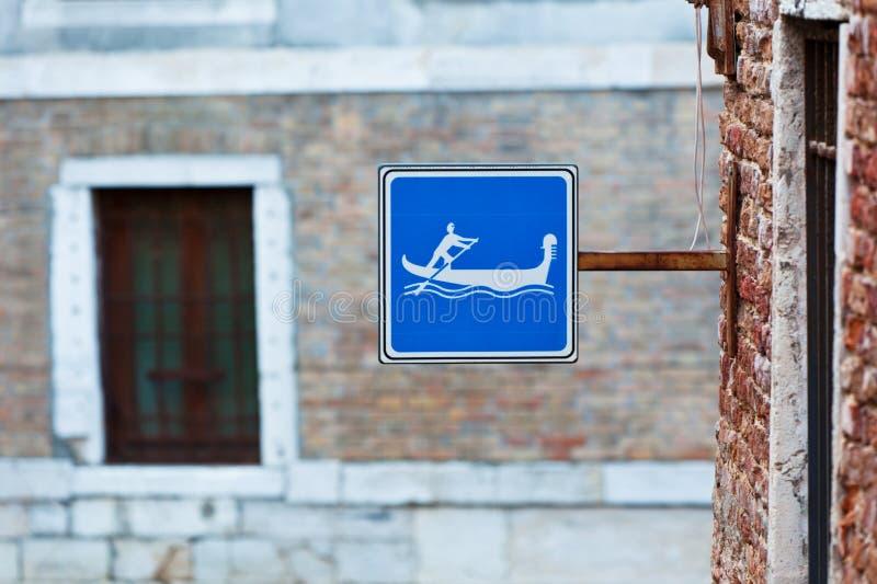 La gondole signent dedans Venise, Italie image libre de droits