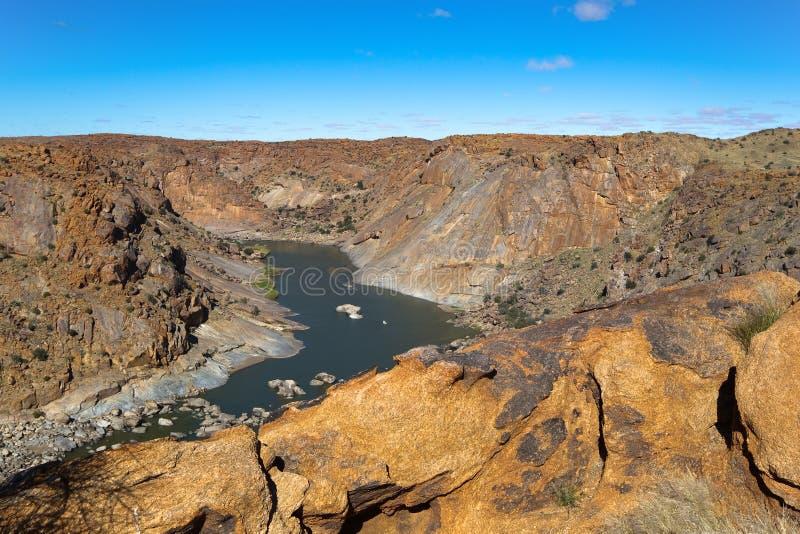 La gorge orange de rivière dans Augrabies tombe parc national photos libres de droits