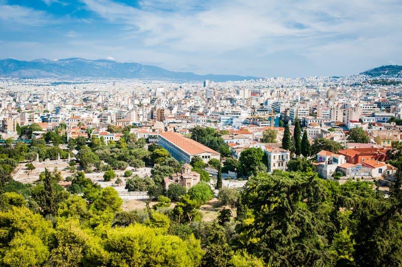 La Grèce, Athènes, août 2016, l'Acropole d'Athènes, citadelle antique située sur un affleurement extrêmement rocheux au-dessus de photo libre de droits