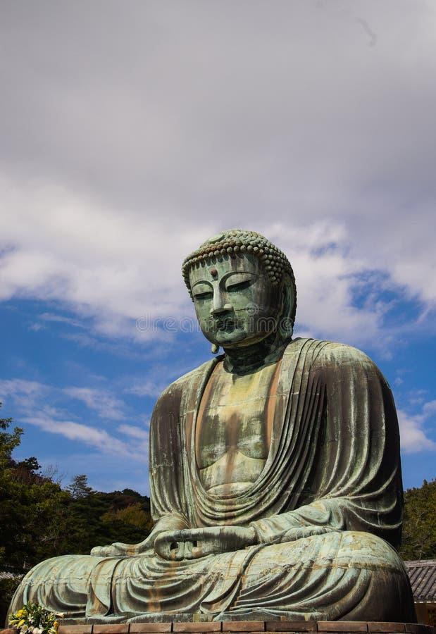 La gran estatua Daibutsu de Buda en Kamakura, Japón foto de archivo
